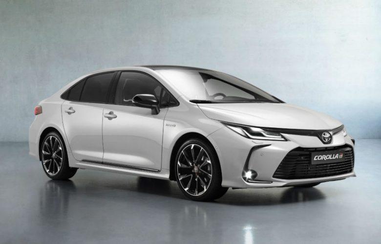 El Toyota Corolla Sedán también estrena variante GR-Sport